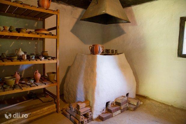 cuptor-osenesc-muzeul-satului-osenesc-din-negresti-oas-judetul-satu-mare.jpg