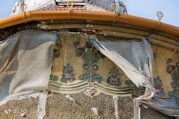 decoratiuni-turn-palatul-stern-din-oradea-judetul-bihor.jpg