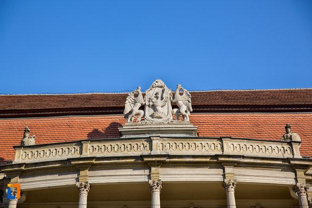 detalii-acoperis-palatul-banffy-din-cluj-napoca-judetul-cluj.jpg