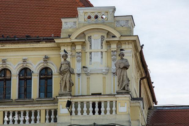detalii-acoperis-primaria-oradea-judetul-bihor.jpg