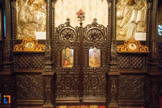 detalii-altar-biserica-buna-din-buzau-judetul-buzau.jpg