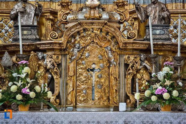 detalii-altar-biserica-romana-catolica-sfanta-treime-din-cluj-napoca-judetul-cluj.jpg