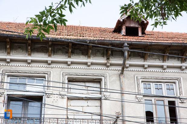 detalii-ansamblul-de-locuinte-cu-pravalii-de-pe-str-bucuresti-nr-163-din-calarasi-judetul-calarasi.jpg