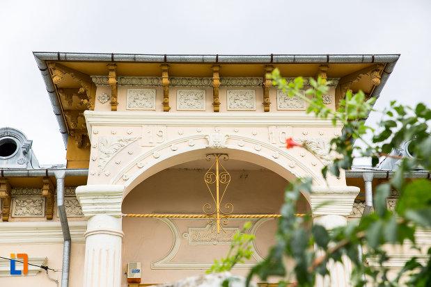 detalii-arhitecturale-de-la-casa-azi-sectie-a-muzeului-judetean-din-giurgiu-judetul-giurgiu.jpg