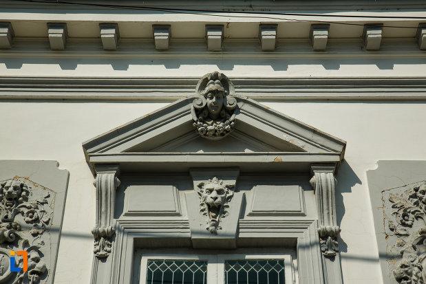 detalii-arhitecturale-de-la-casa-filipescu-din-dragasani-judetul-valcea.jpg