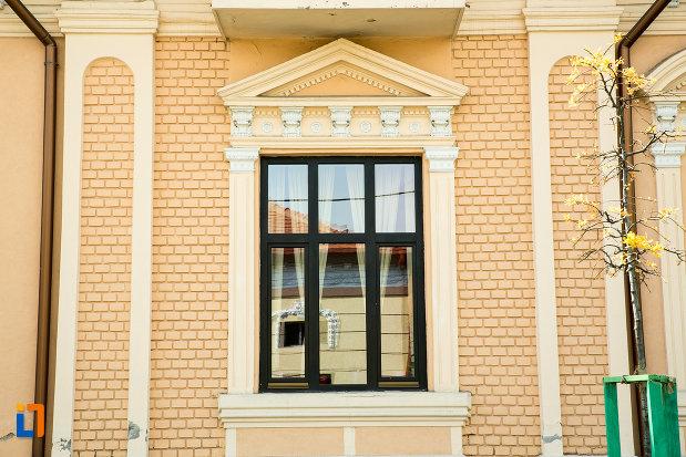 detalii-arhitecturale-de-la-casa-tandara-cristian-din-drobeta-turnu-severin-judetul-mehedinti.jpg
