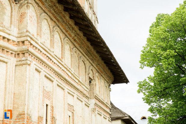 detalii-arhitecturale-de-la-manastirea-strehaia-judetul-mehedinti.jpg