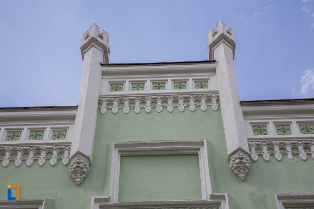 detalii-arhitecturale-de-la-muzeul-de-etnogtrafie-universala-franz-binder-din-sibiu-judetul-sibiu.jpg