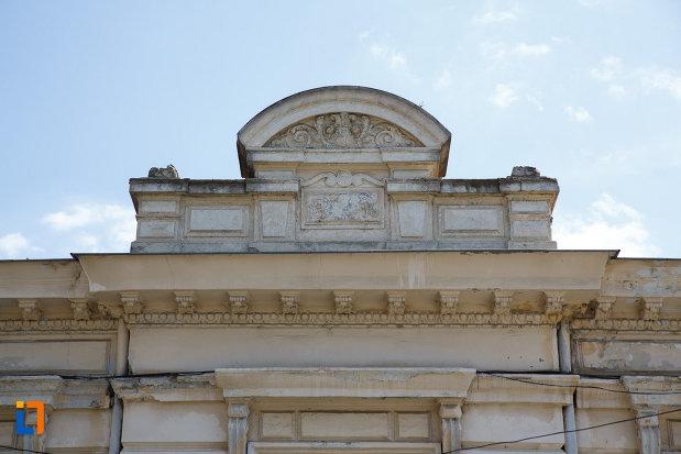 detalii-arhitecturale-de-la-sediul-comenduirii-garnizoanei-tulcea-fosta-banca-dunarii-din-tulcea-judetul-tulcea.jpg