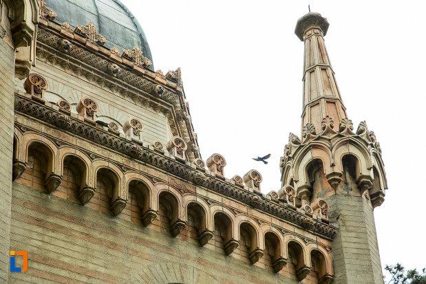 detalii-arhitecturale-mausoleul-familiei-filisanu-din-filiasi-judetul-dolj.jpg