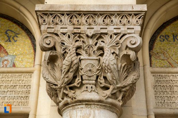 detalii-coloana-catedrala-ortodoxa-a-vadului-feleacului-si-clujului-din-cluj-napoca-judetul-cluj.jpg