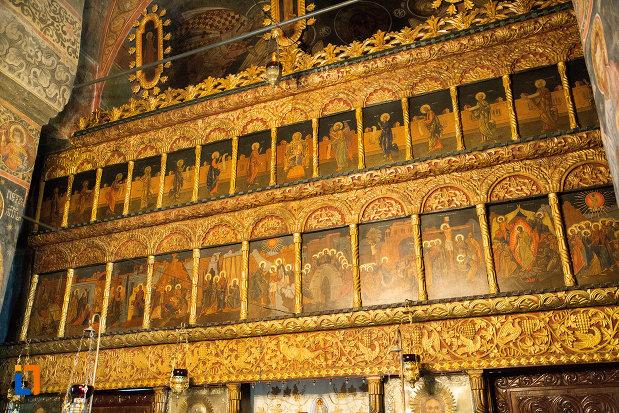 detalii-cu-interiorul-de-la-manastirea-clocociov-din-slatina-judetul-olt.jpg