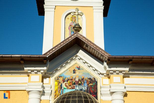 detalii-de-arhitectura-de-la-biserica-adormirea-maicii-domnului-sau-sf-nicodim-biserica-maioreasa-din-drobeta-turnu-severin-judetul-mehedinti.jpg