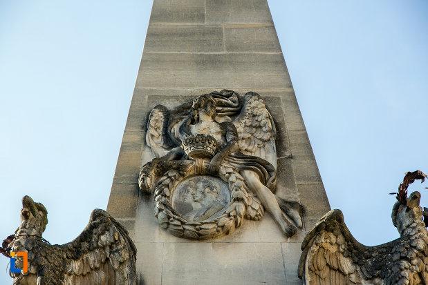 detalii-de-la-baza-obeliscul-carolina-din-cluj-napoca-judetul-cluj.jpg