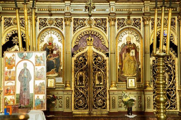 detalii-de-la-biserica-adormirea-maicii-domnului-din-brasov-judetul-brasov.jpg