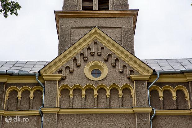 detalii-de-la-biserica-romano-catolica-sf-anton-din-oradea-judetul-bihor.jpg