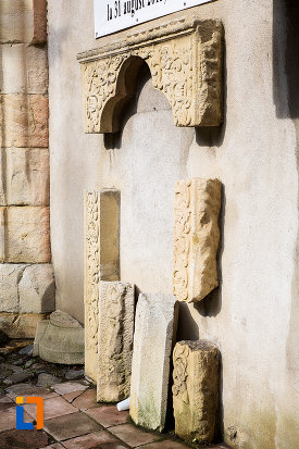 detalii-de-la-biserica-sf-iacob-din-campulung-muscel-judetul-arges.jpg