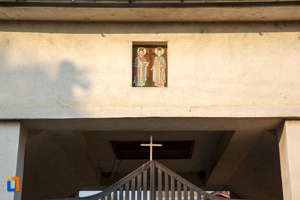 detalii-de-la-biserica-sf-imparati-serdareasa-1835-din-rosiorii-de-vede-judetul-teleorman.jpg