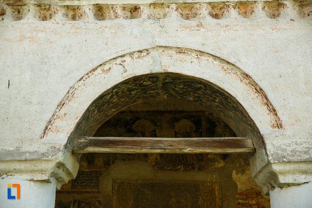 detalii-de-la-biserica-sf-ioan-botezatorul-1793-din-ocnele-mari-judetul-valcea.jpg