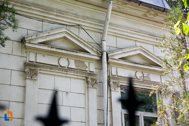 detalii-de-la-casa-ionel-anastasescu-din-rosiorii-de-vede-judetul-teleorman.jpg