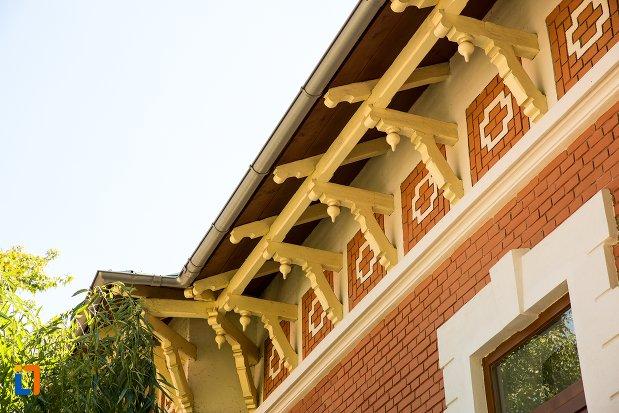 detalii-de-la-casa-memoriala-panait-istrati-din-braila-judetul-braila.jpg