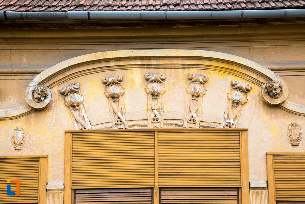 detalii-de-la-casa-pavel-milasevici-din-otelu-rosu-judetul-caras-severin.jpg