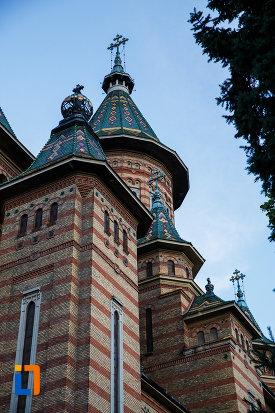 detalii-de-la-catedrala-ortodoxa-sf-trei-ierarhi-din-timisoara-judetul-timis.jpg