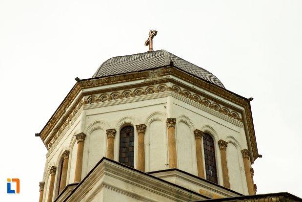 detalii-de-la-catedrala-sf-treime-din-corabia-judetul-olt.jpg