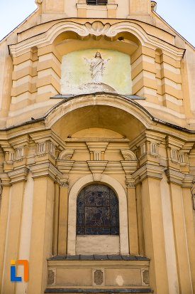 detalii-de-pe-biserica-romano-catolica-din-brasov-judetul-brasov.jpg