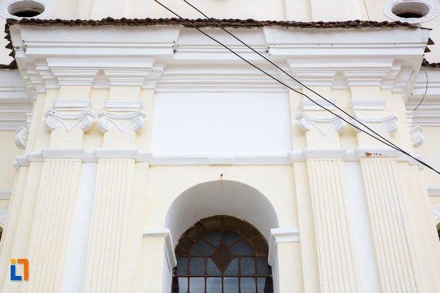 detalii-de-pe-biserica-sf-nicolae-baciu-din-sacele-judetul-brasov.jpg