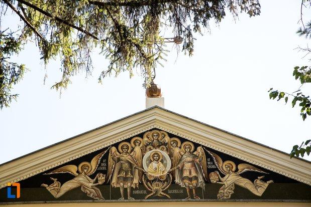 detalii-de-pe-biserica-sfintii-arhangheli-mihail-si-gavriil-din-braila-judetul-braila.jpg