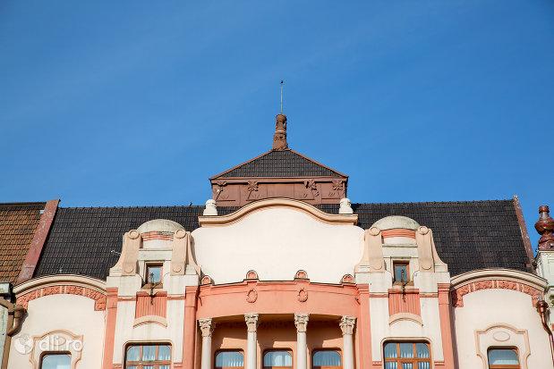 detalii-de-pe-casa-de-economii-a-comitatului-azi-casa-de-cultura-a-municipiului-si-banca-din-oradea-judetul-bihor.jpg