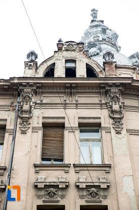 detalii-de-pe-casa-din-anul-1900-monument-istoric-din-arad-judetul-arad.jpg