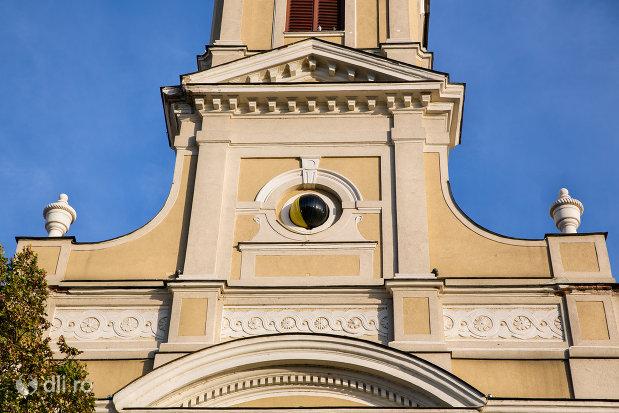detalii-de-pe-catedrala-ortodoxa-adormirea-maicii-domnului-biserica-cu-luna-din-oradea-judetul-bihor.jpg
