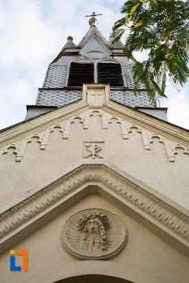 detalii-de-pe-fatada-bisericii-sf-anton-din-pitesti-judetul-arges.jpg