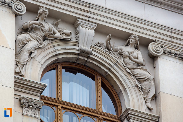 detalii-de-pe-fereastra-de-la-universitatea-babes-bolyai-din-cluj-napoca-judetul-cluj.jpg