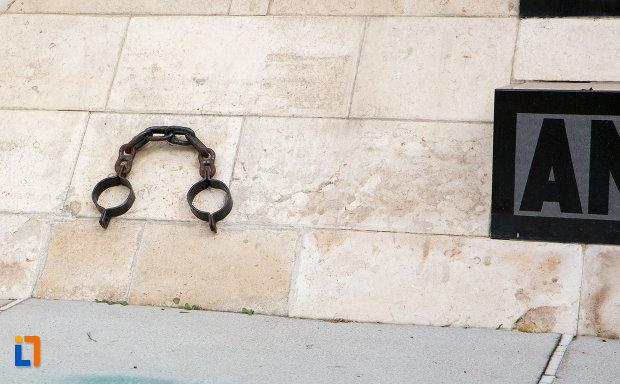 detalii-de-pe-monumentul-rezistentei-anticomuniste-din-cluj-napoca-judetul-cluj.jpg