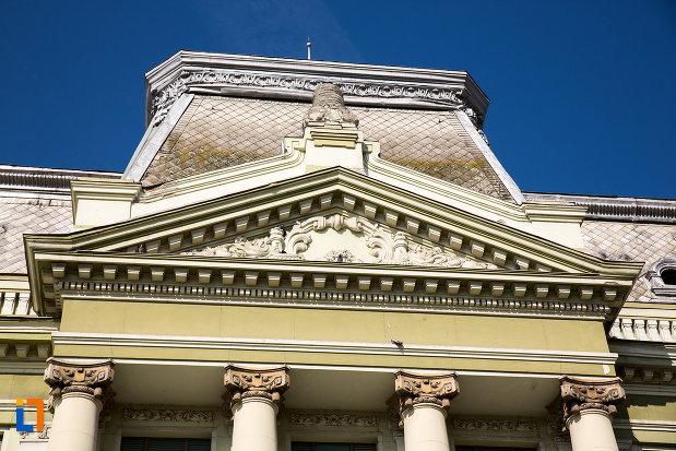 detalii-de-pe-palatul-bancii-nationale-a-romaniei-din-arad-judetul-arad.jpg