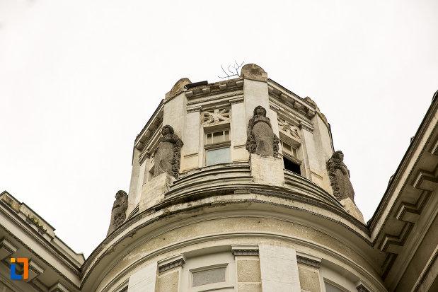 detalii-de-pe-palatul-cultural-din-arad-judetul-arad.jpg