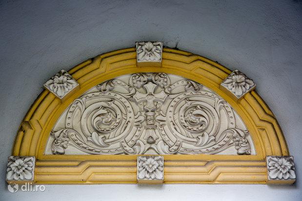 detalii-de-pe-scoala-normala-greco-catolica-din-oradea-judetul-bihor.jpg