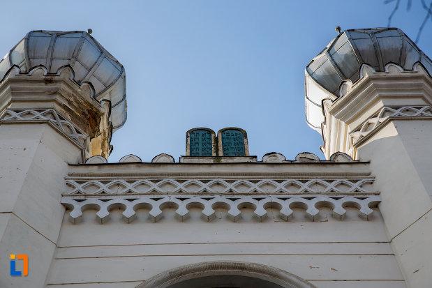 detalii-de-pe-sinagoga-neologa-din-cluj-napoca-judetul-cluj.jpg