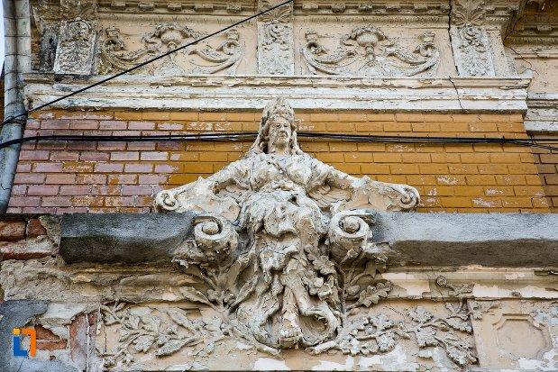 detalii-decorative-din-ansamblul-urban-str-primaverii-din-alba-iulia-judetul-alba.jpg