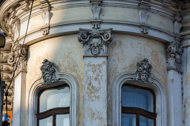detalii-deosebite-de-pe-palatul-babos-din-cluj-napoca-judetul-cluj.jpg