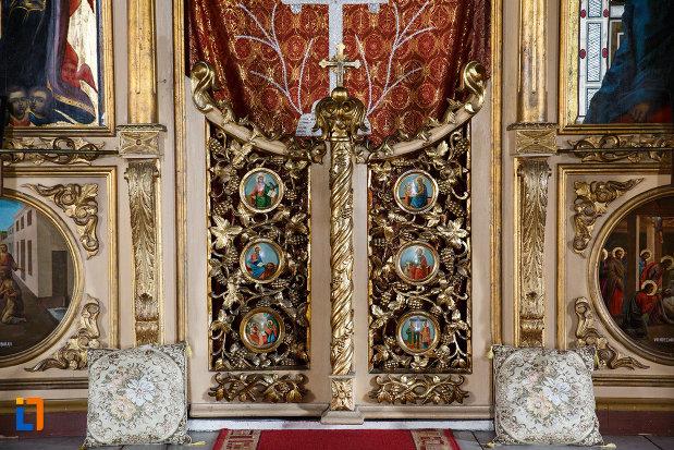 detalii-din-biserica-buna-vestire-din-tulcea-judetul-tulcea.jpg