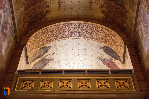 detalii-din-catedrala-mitropolitana-sf-dimitrie-din-craiova-judetul-dolj.jpg