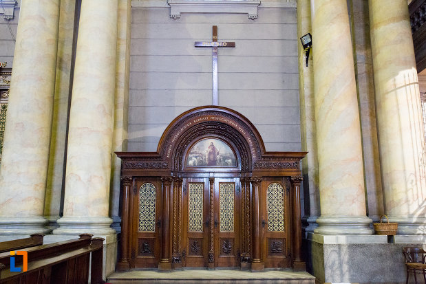detalii-din-interiorul-catedralei-romano-catolice-din-arad-judetul-arad.jpg