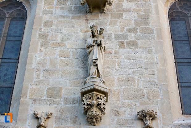 detalii-exterioare-biserica-romano-catolica-calvaria-din-cluj-napoca-judetul-cluj.jpg