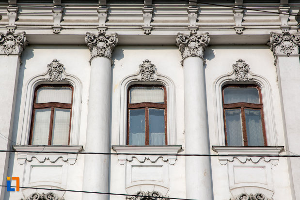 detalii-fatada-palatul-babos-din-cluj-napoca-judetul-cluj.jpg