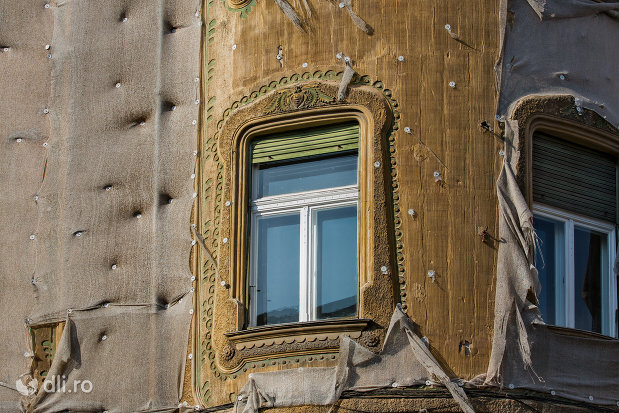 detalii-fatada-palatul-stern-din-oradea-judetul-bihor.jpg