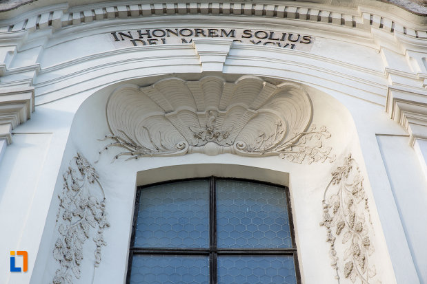 detalii-fereastra-biserica-unitariana-din-cluj-napoca-judetul-cluj.jpg